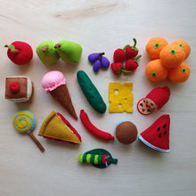 Load image into Gallery viewer, The Very Hungry Caterpillar (Book + Playset)