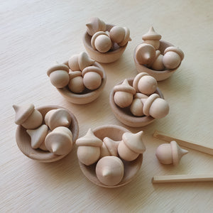Natural Bowls And Acorns