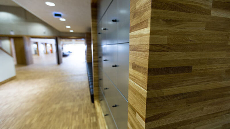 Details of a library with wood finished with Oil Plus 2C.