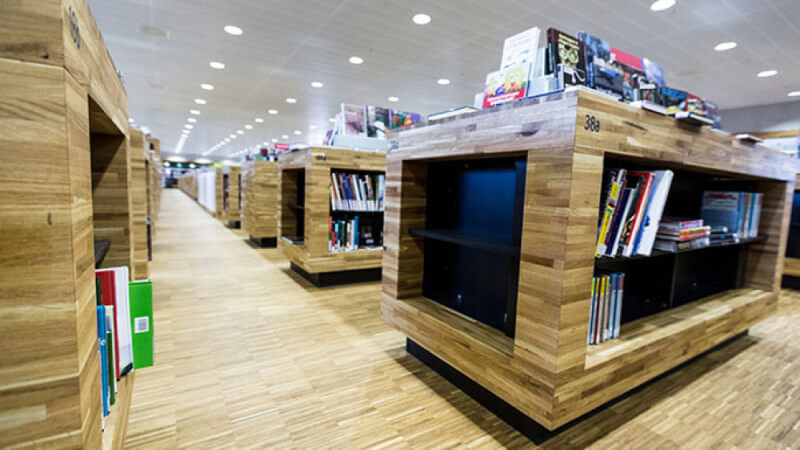 6,000 ft² of wood in this library; all of it finished with Rubio Monocoat.
