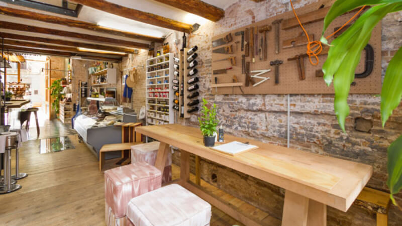 Beautiful wood features in Barcelona restaurant finished with Rubio Monocoat.