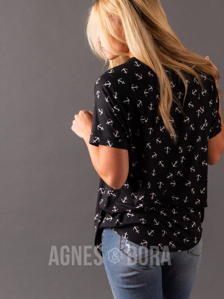 Love Top Black/White Anchor