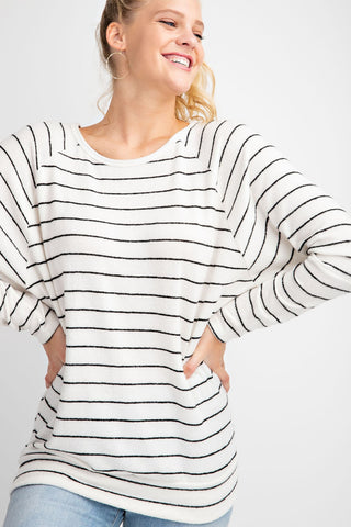 ROUND NECK LONG SLEEVES RAGLAN STRIPE BLACK & WHITE TOP