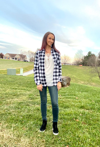 BLACK & WHITE PLAID FLEECE LINED SHIRT TOP