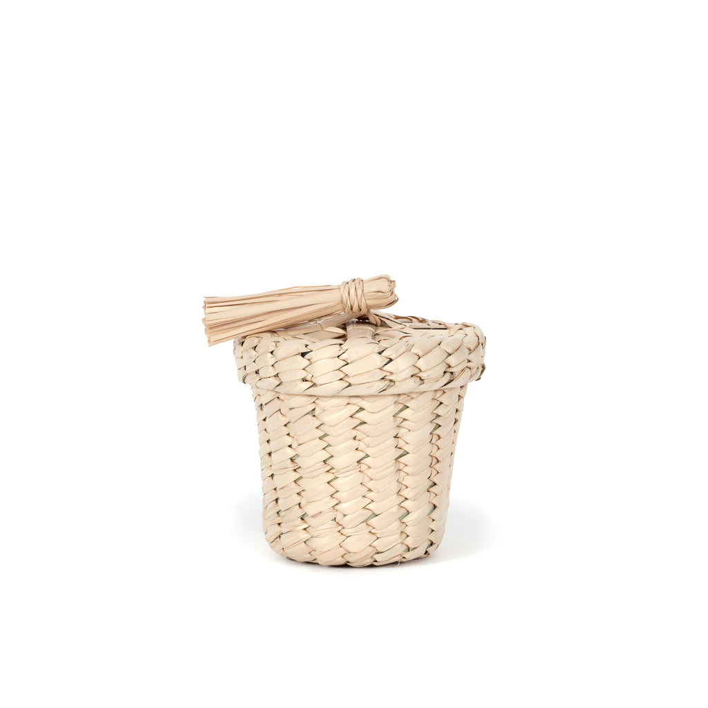 STORAGE BASKET AND LID