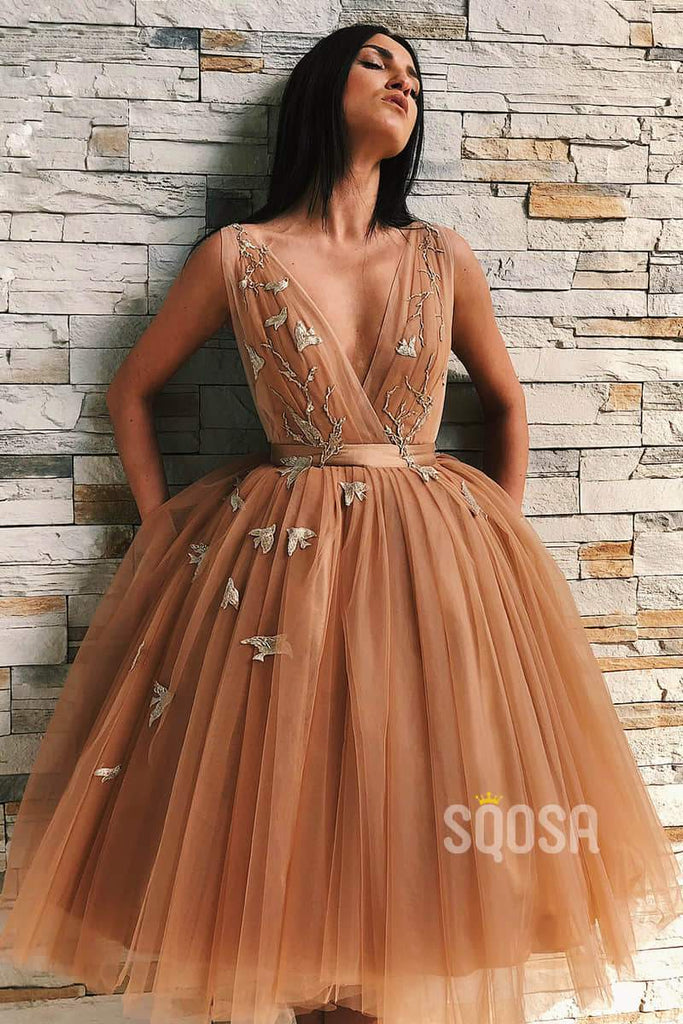 Ball Gown Attractive V-neck Appliques Short Prom Dress Homecoming Dress Backless QP2195|SQOSA
