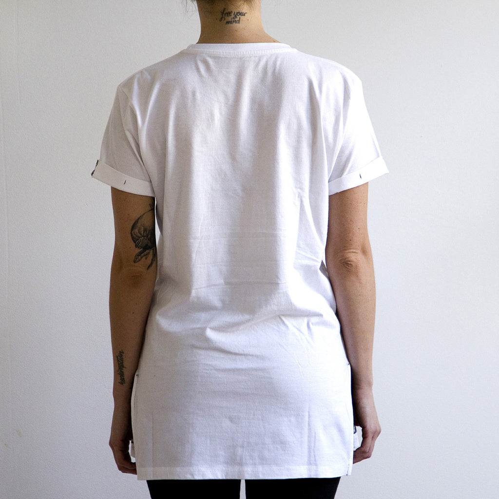 Long White Line Tee | LE|BEST