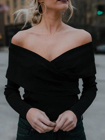 Stylish V-Neck With An Off-The-Shoulder Knit Top