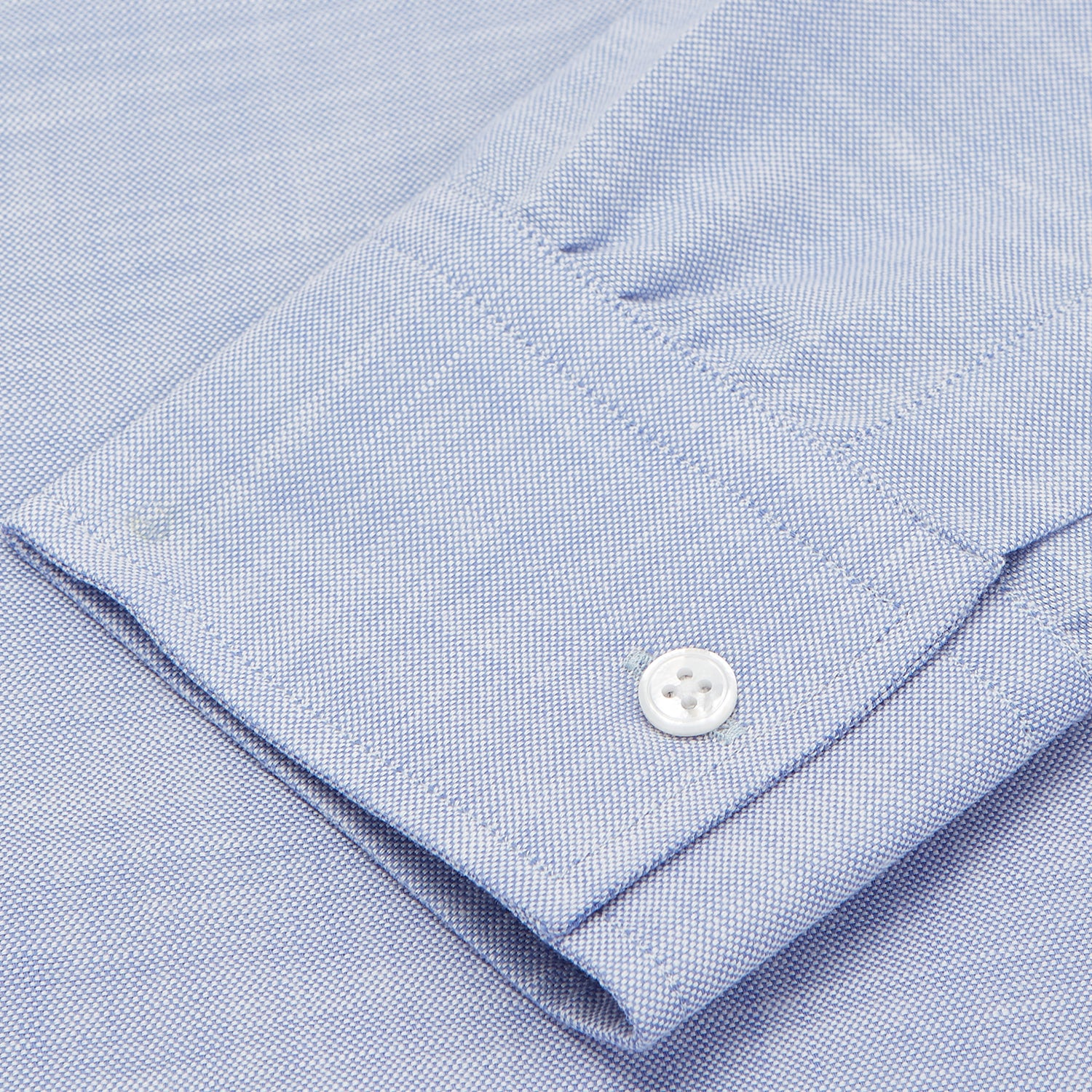 Mid-Blue Chambray Weekend Fit Shirt with Dorset Collar and 1-Button Cuffs
