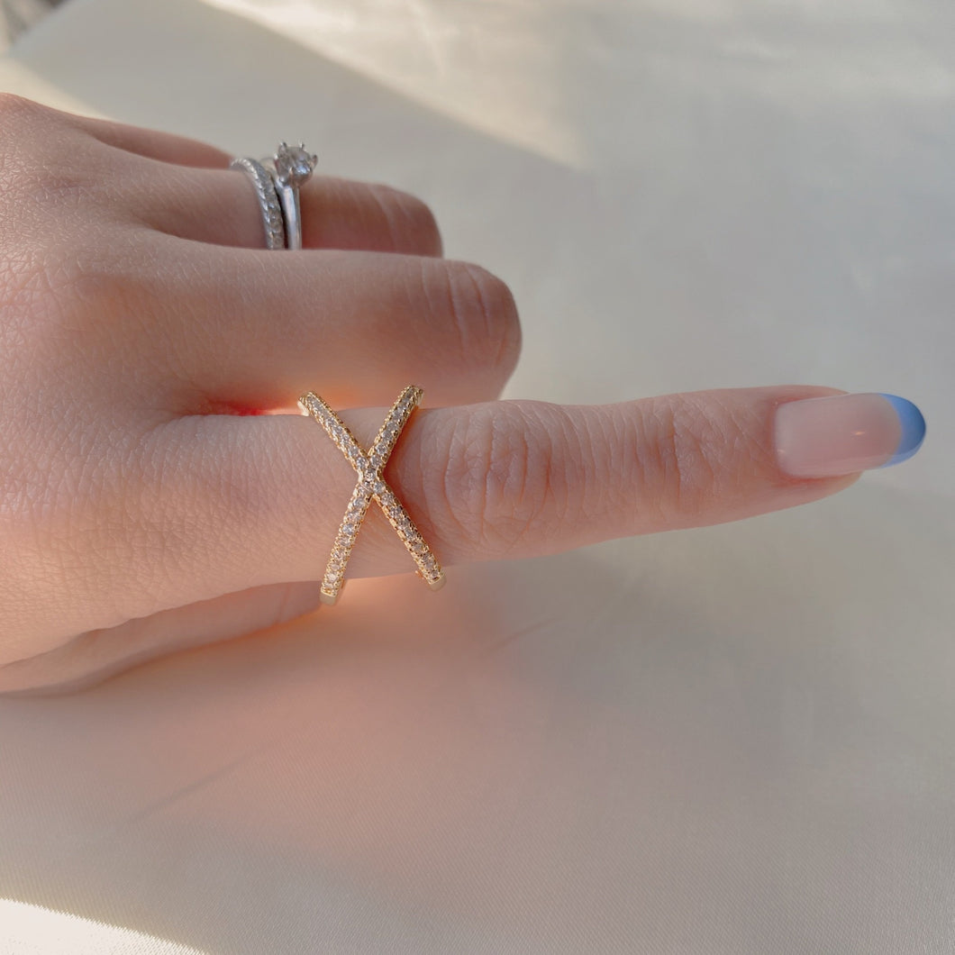 "Claudia the  ""X"" ring"
