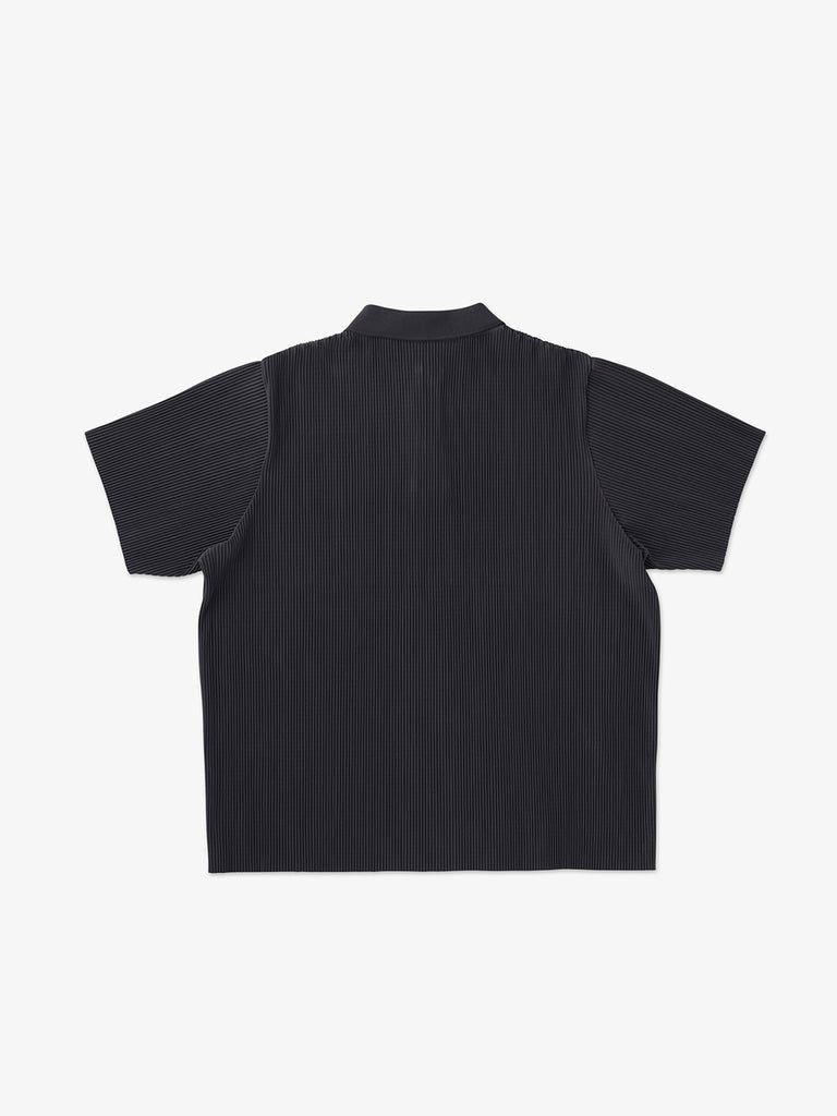 FINE PLEATED POLO SHIRT<br>BLACK