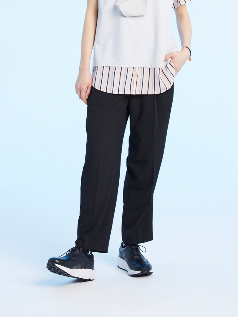 STRAIGHT TUCK PANTS<br>BLACK