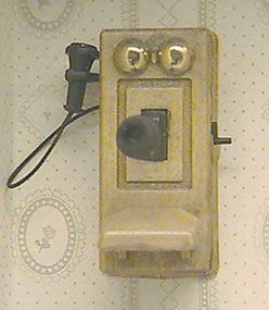 Old fashioned telephone, DIY