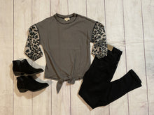 Load image into Gallery viewer, Leopard Sleeve Top - jernijacks