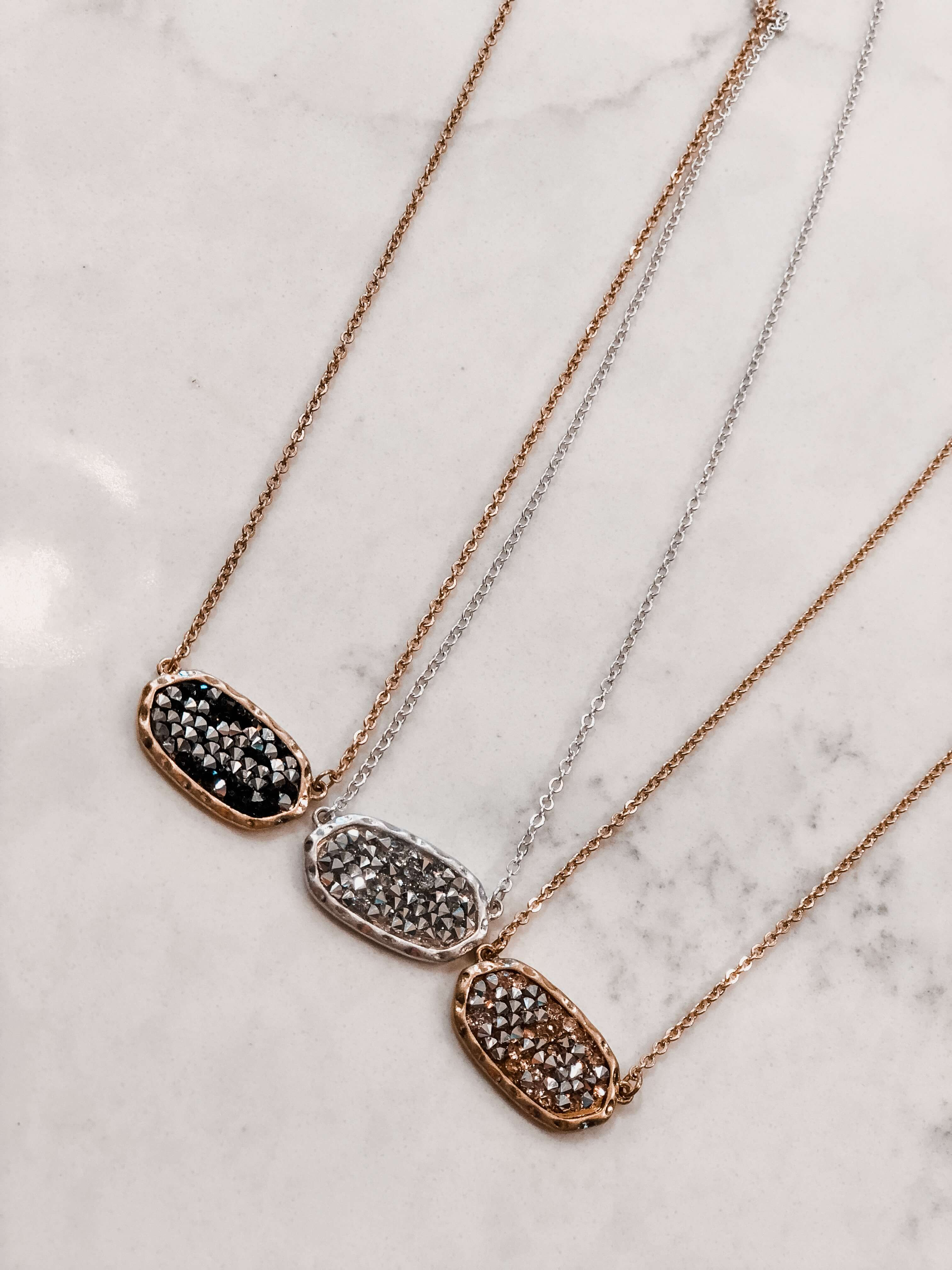 Dupe Kendra Pendant Necklace