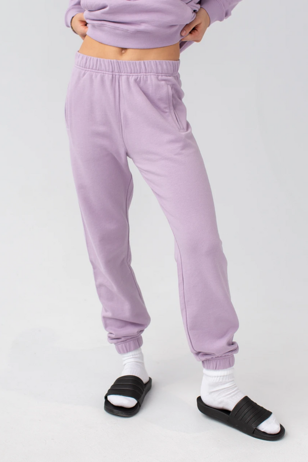 LEISURE WEAR JOGGER BY YOGA JEANS  https://shoptrixie.com/products/61029-jogger-lavender  Leave it to Canadian comfort experts Yoga Jeans to do the leisure wear trend perfectly. The comfort jogger features a slim fit and elastic bottom and every body's favorite thing...pockets!