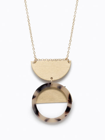 Nile Necklace In Blonde Tortise