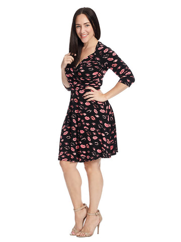 Sweetheart Wrap Dress In Kiss Print