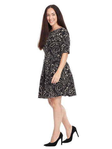 Printed Short Sleeve Dress With Key Hole Detail In Black