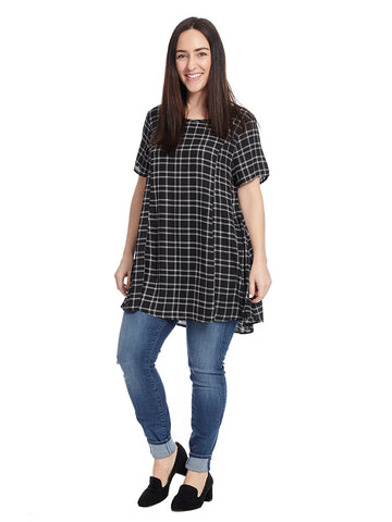 Short Sleeve Top In Black And White Plaid