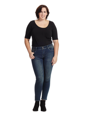 Chloe Curvy Skinny Jean in Medium Wash