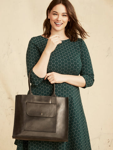 Mare Pocket Tote In Black