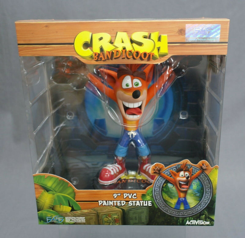 "CRASH  BANDICCOT  9""PVC PAINTED STATUE"