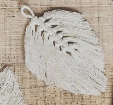 Macramé Feather Gift Tag