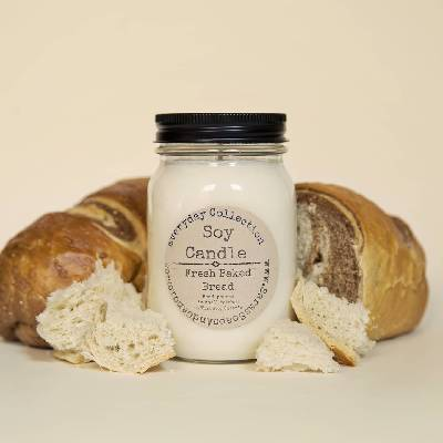 Fresh baked bread candle - 14oz