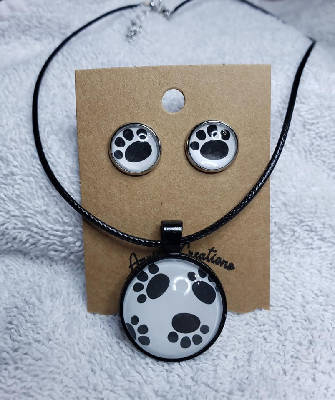 Paw Print Studs & Necklace Set