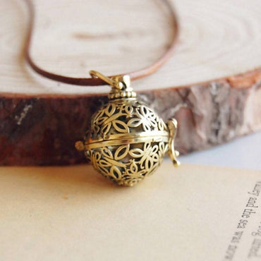 Retro Charm Aromatherapy Necklace/Pendant, Locket for Essential Oil Diffuser/Necklace Jewelry (** +2ml De-Stress Essential Oil Blend)