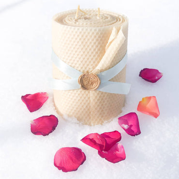 Honeycomb Pillar Beeswax Candle – 6″ Wide