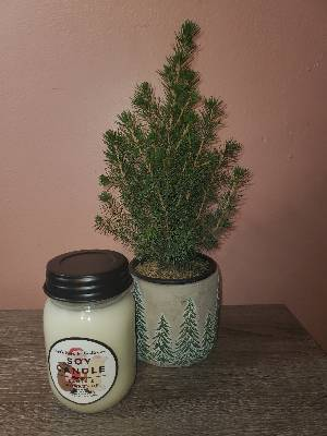 Santa's Workshop Candle - 14oz