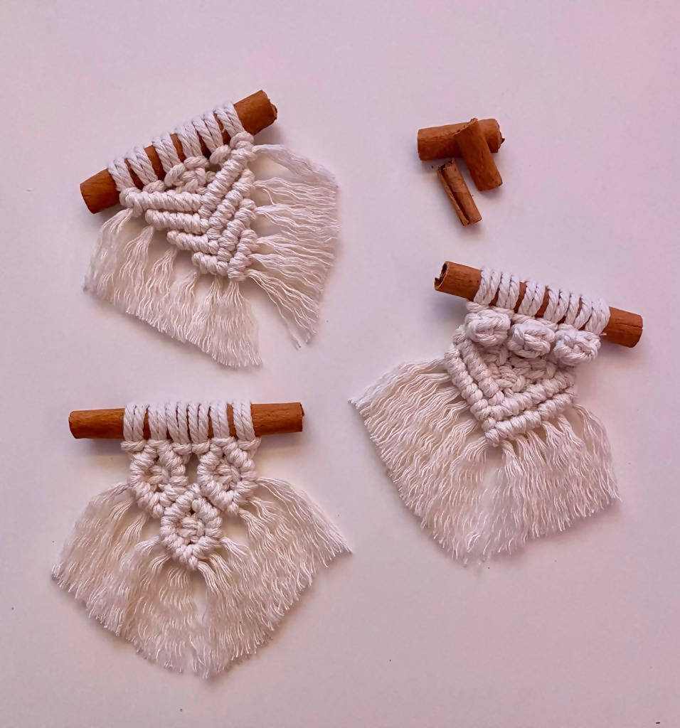 Macramé Magnets