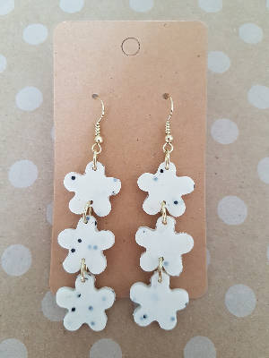 Cookies & Cream Blossom earrings