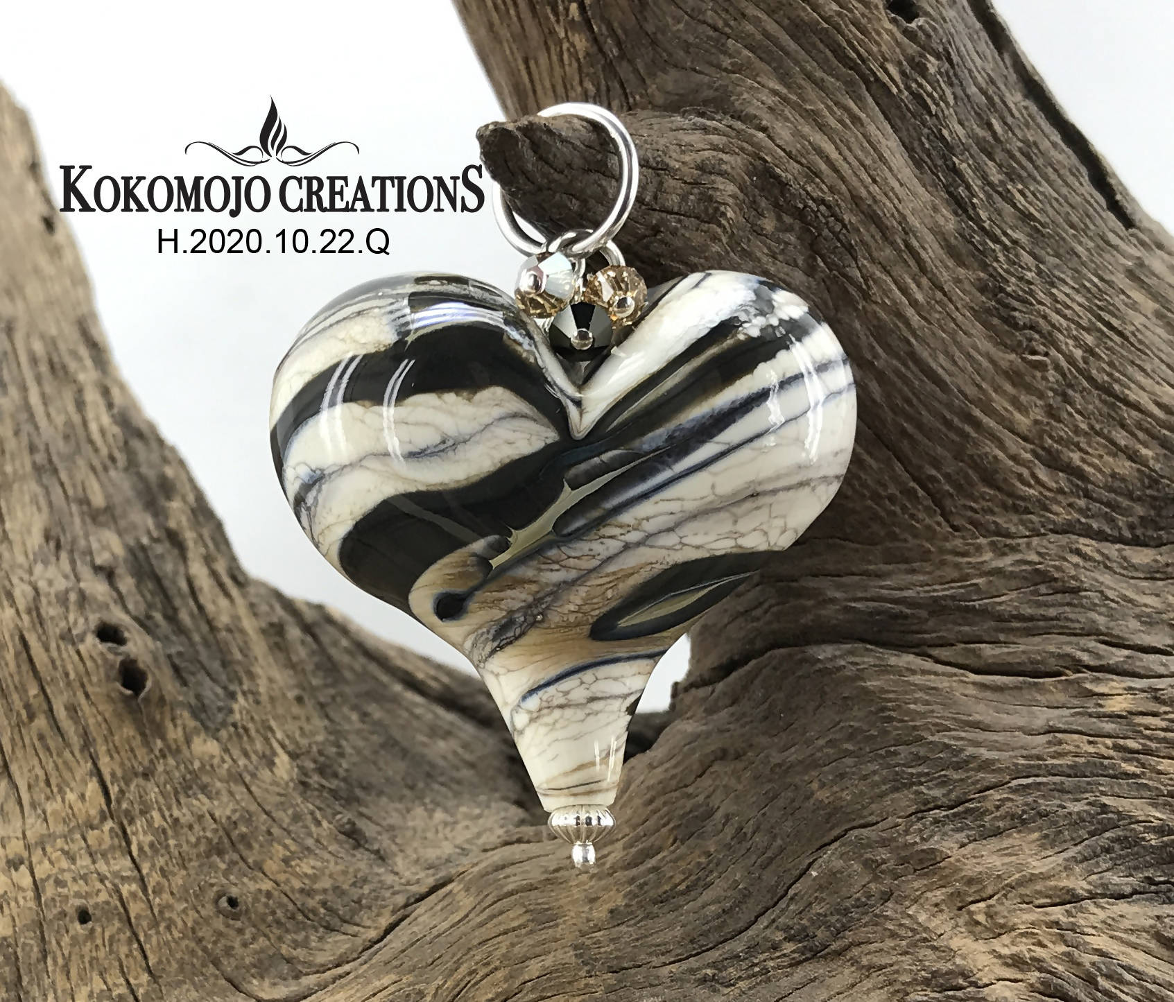 Handmade Lampwork Blown Glass and Sterling Silver Heart Pendant With Swarovski Crystals - H.2020.10.22.Q