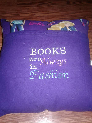 Reading Pocket Pillow