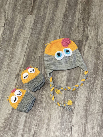 Cap and mittens set