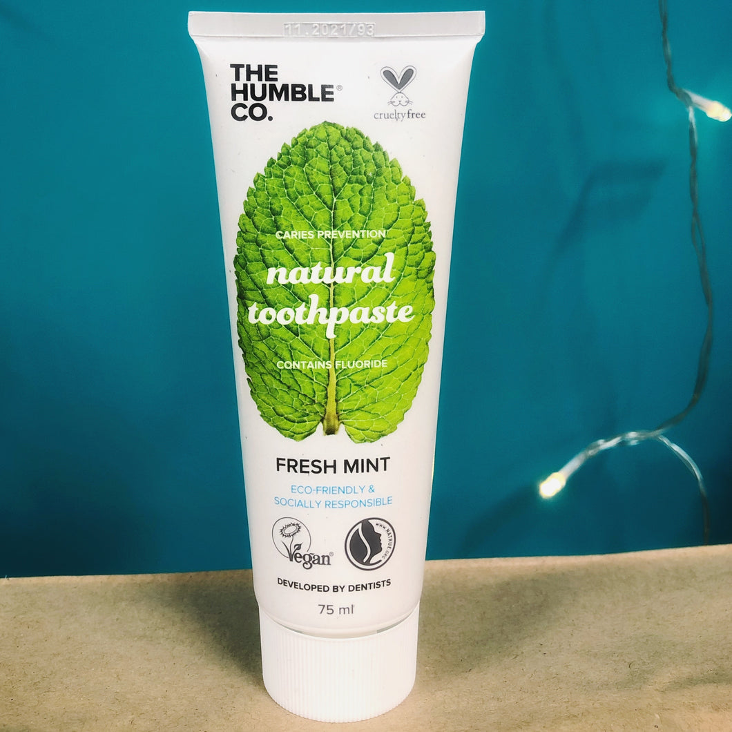 Natural Toothpaste – with fluoride
