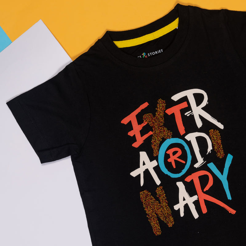 BOYS REGULAR FIT BLACK T-SHIRT WITH TYPOGRAPHY