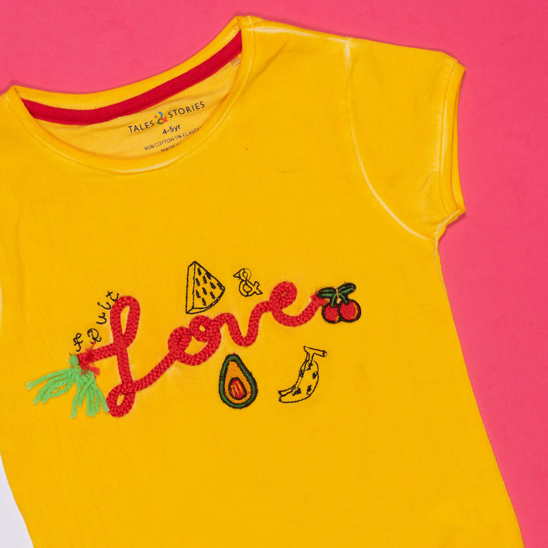 GIRLS REGULAR FIT EMBROIDERED YELLOW T-SHIRT