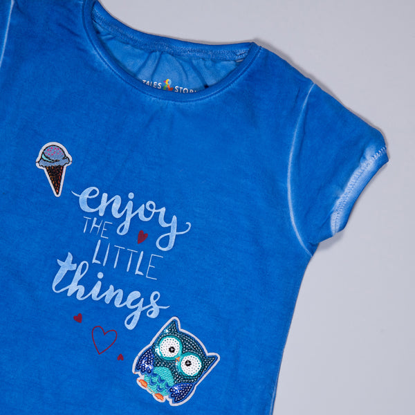 Girls Royal Blue Printed & Applique Stretchable Slim Fit T-Shirt