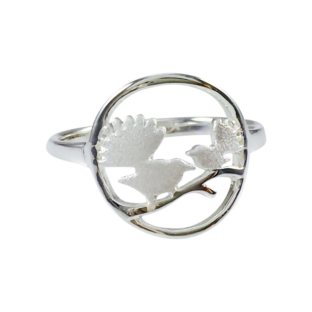 Fantails in Circle Silver Ring