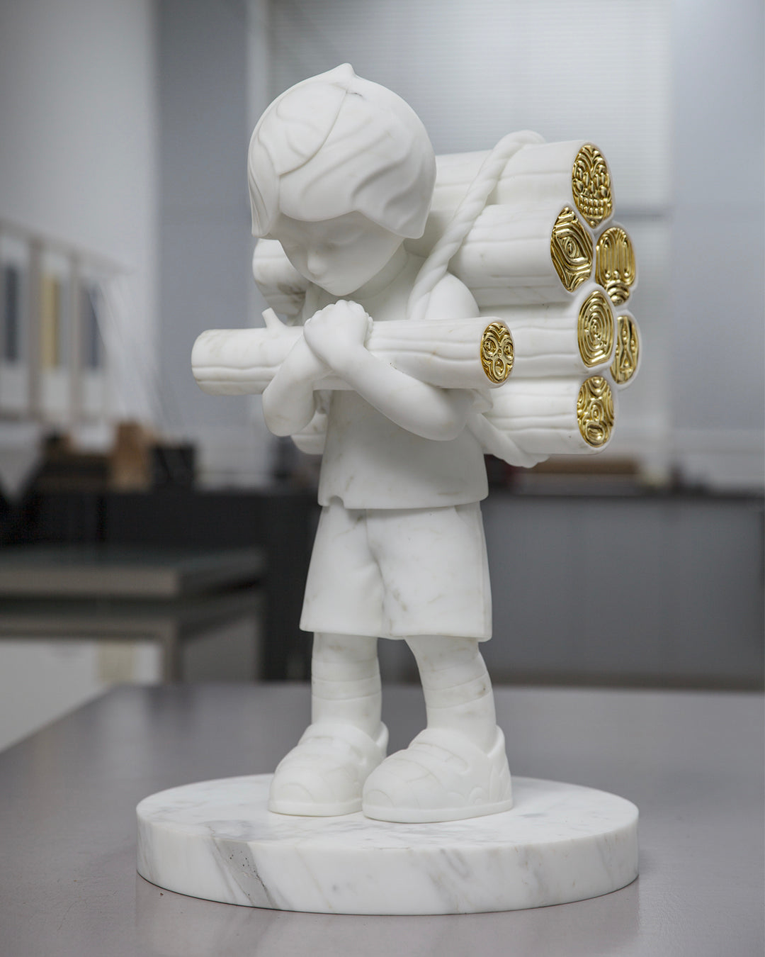 Woodcutter - Marble & Gold