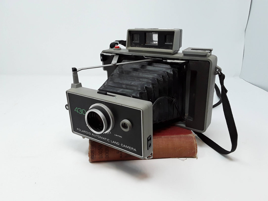 Polaroid Automatic Land Camera