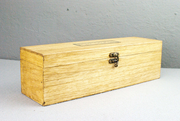 Wand wooden display box | Old Pine Waxed |