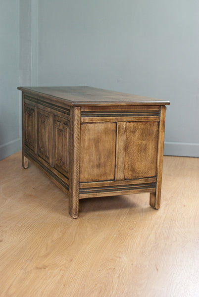 Solid oak Blanket box, Chest, Trunk or ottoman circa 100 years old
