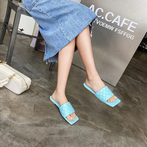 2020 Newest High Quality Women Slides Gingham Square Toe Flat Slippers Summer Outdoor Beach Non-Slip Casual Sandals Female Shoes Blue