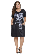 Load image into Gallery viewer, Black Floral Patterned Panel Plus Size Dress