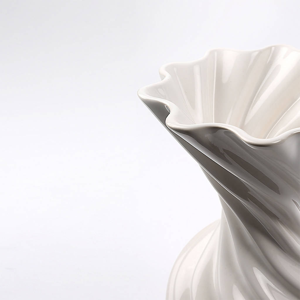 Miss Jolie Vase - White Shiny